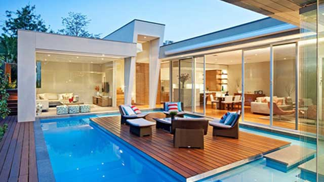 House-with-pool-accelerate-energy-efficiency-assessment